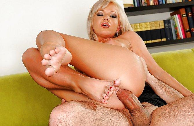 Порно Красивая Блондинка Фетиш