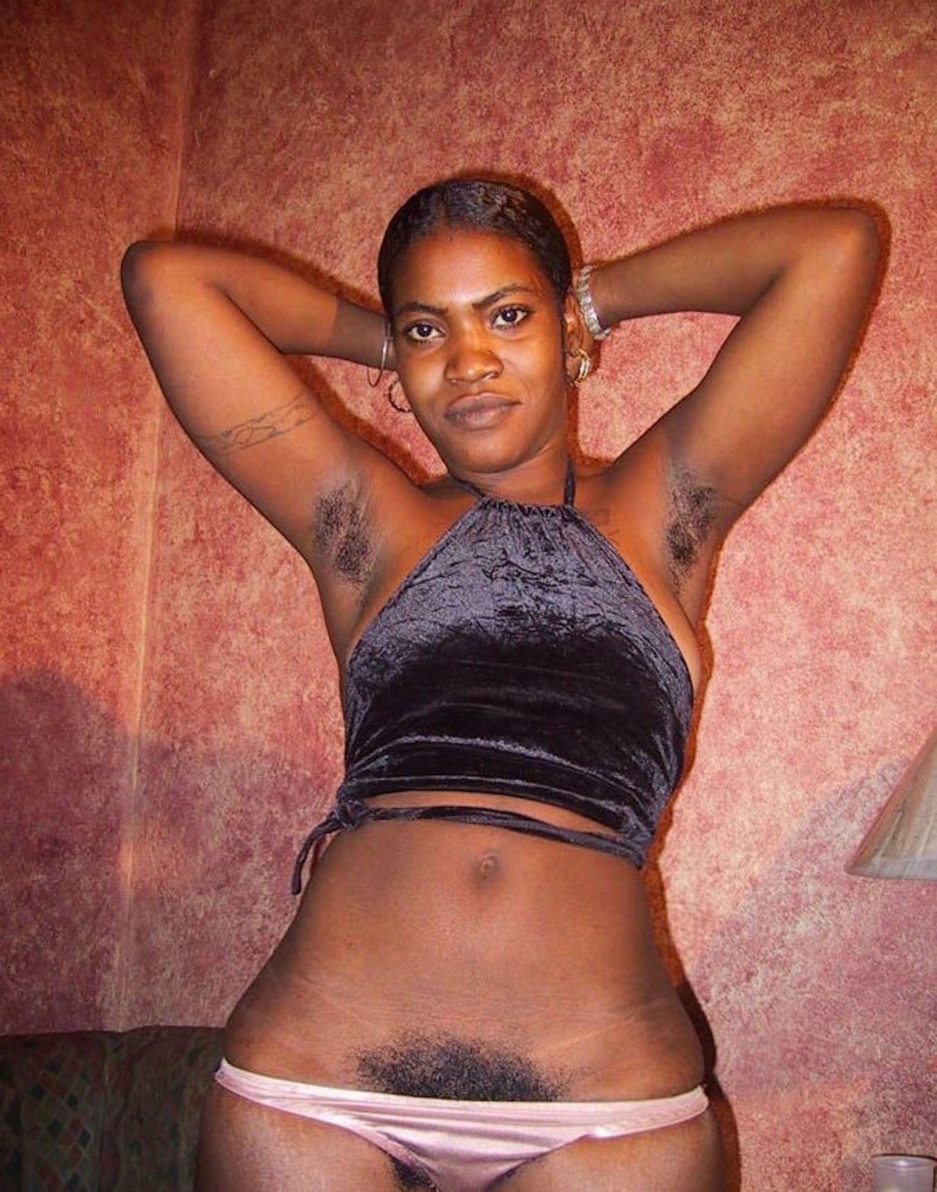Гаитянка с лохматой мандой Жозефина