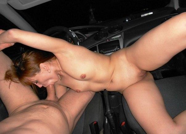 Тёлки ебутся и заглатывают в машине и в комнате