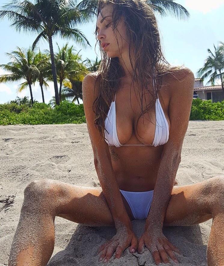Бикини на пляжах Калифорнии