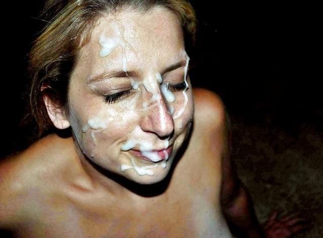 Счастливые барышни с потоком спермы на лице в своей квартире и в общественных местах