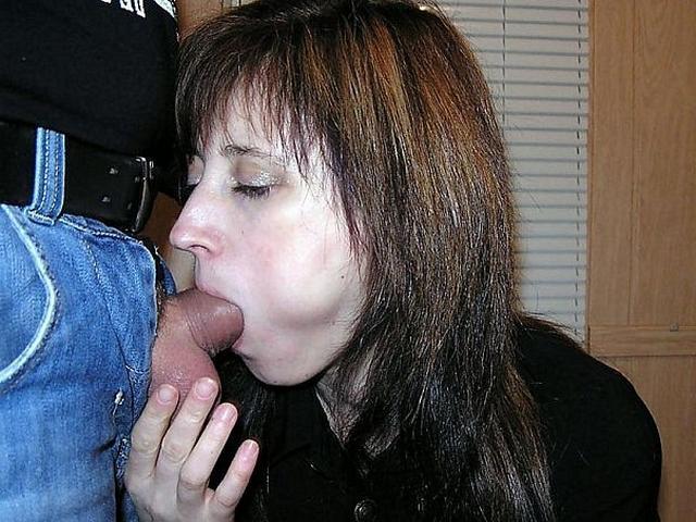 Жены исполняют супружеский долг ртом