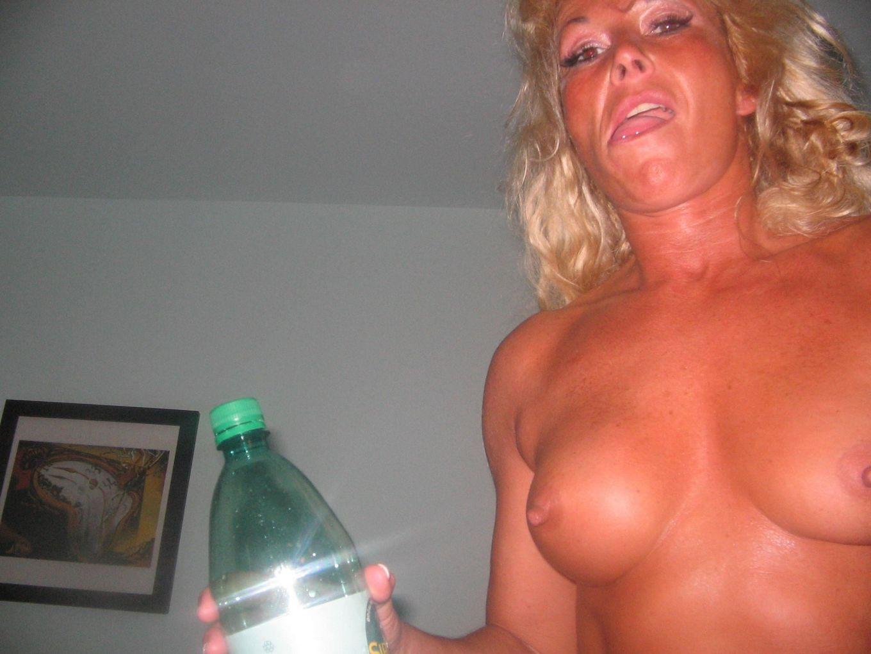 Возрастная, но супер сексуальная блондиночка Сюзи и ее муж