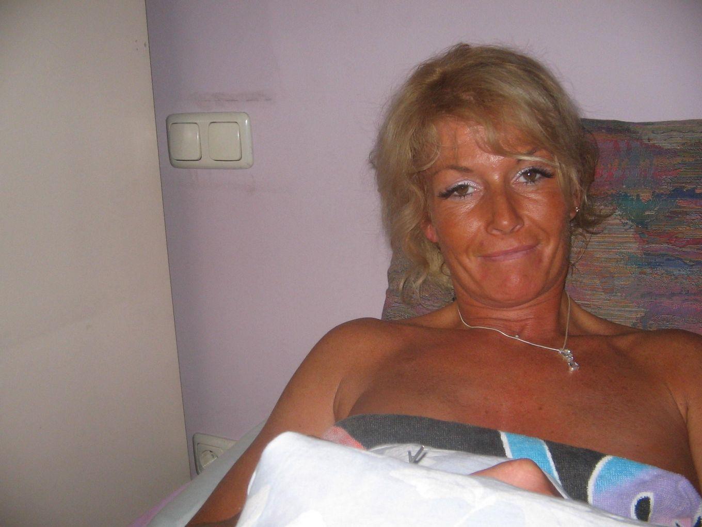 Ххх фото красивой пожилой Эммы