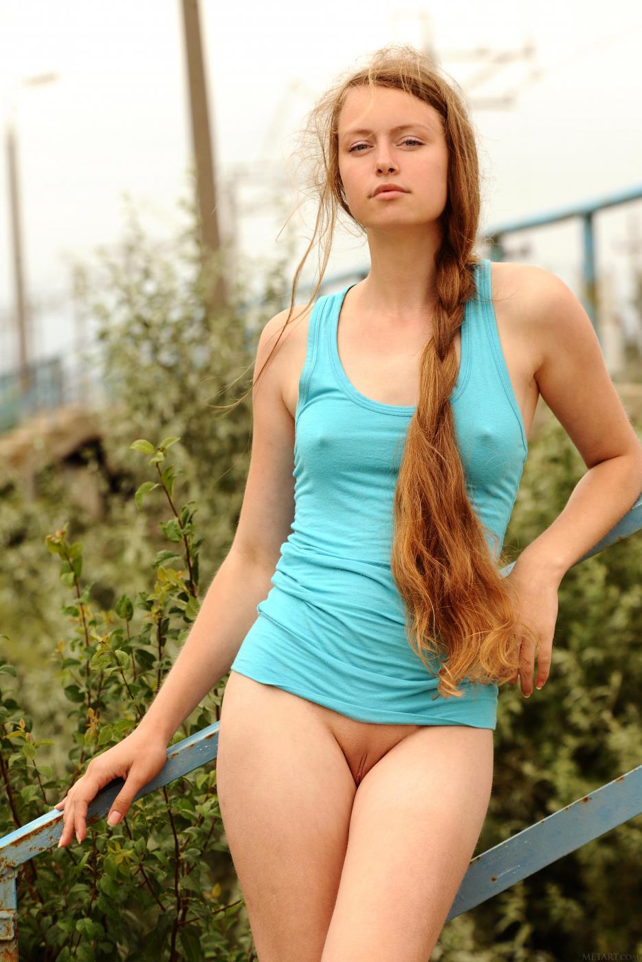 Элегантная Milana K демонстрирует роскошное тело