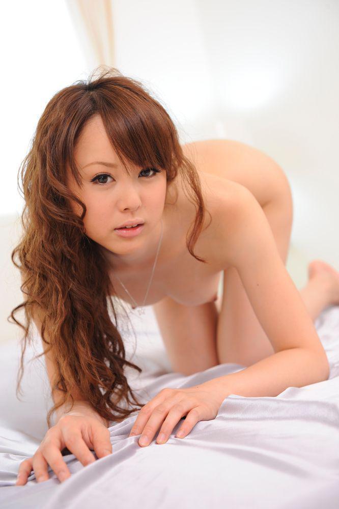 Подтянутая узкоглазая стройняшка Jyunko Hayama занимается сексом в вульву и юнец кончает в нее