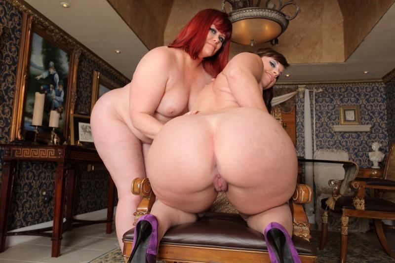 Нагие толстухи с  огромными сраками