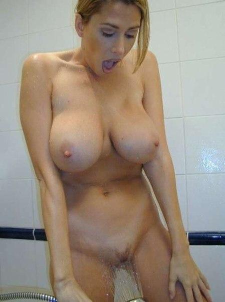 Одинокие мамы с громадными грудями и нижнем белье