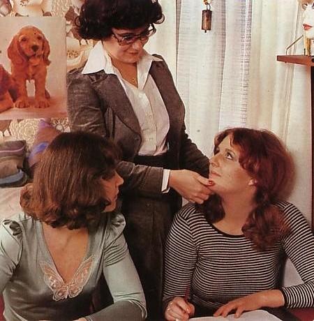 Преподала урок лесбийской любви двум шалавам