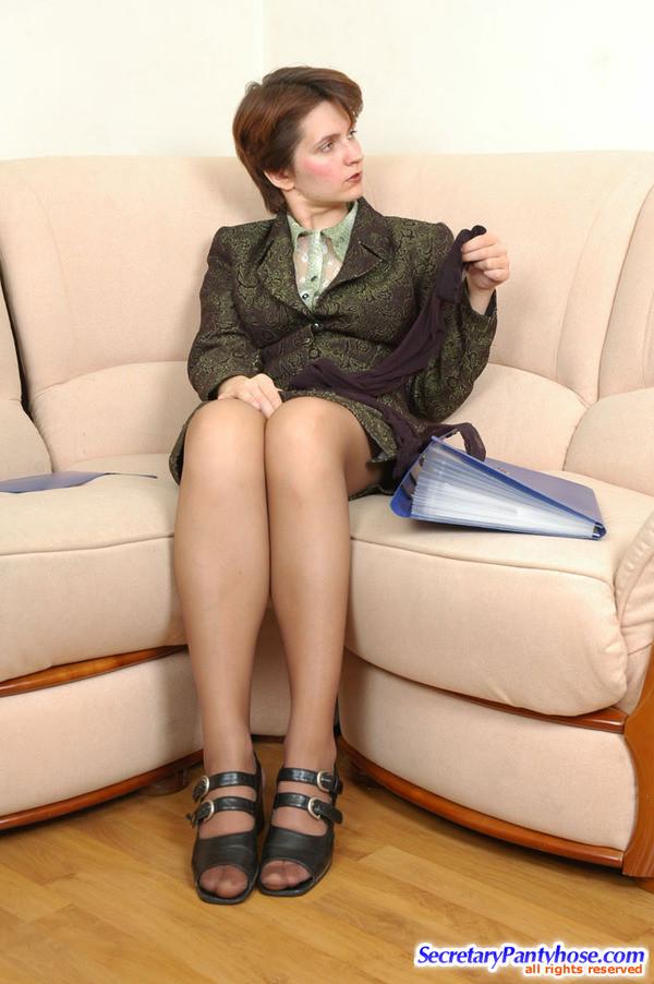 Алина и София замутили блуд в офисе
