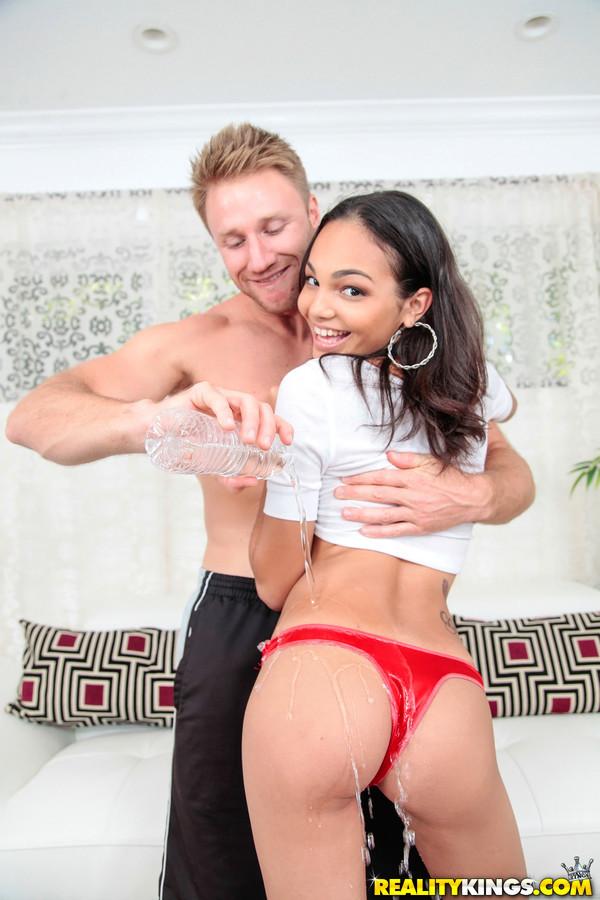 Интим с бразильской порнозвездой Изабеллой Дарлинг